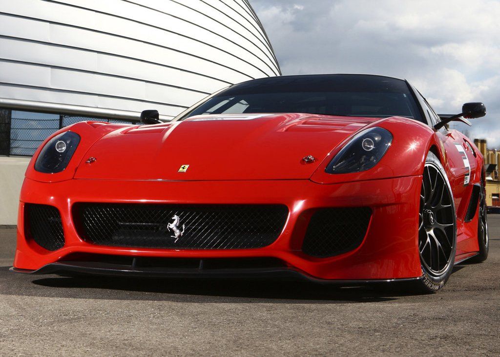 2010 Ferrari 599XX Front Angle (Photo 4 of 10)