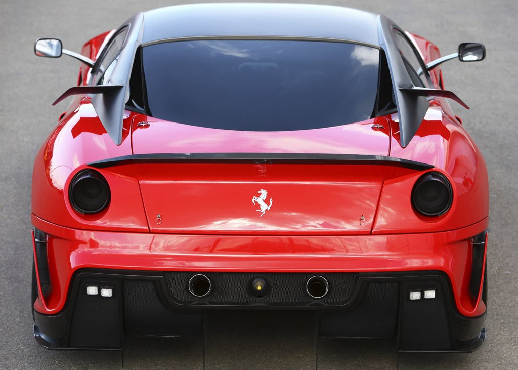 2010 Ferrari 599XX Rear  (Photo 8 of 10)