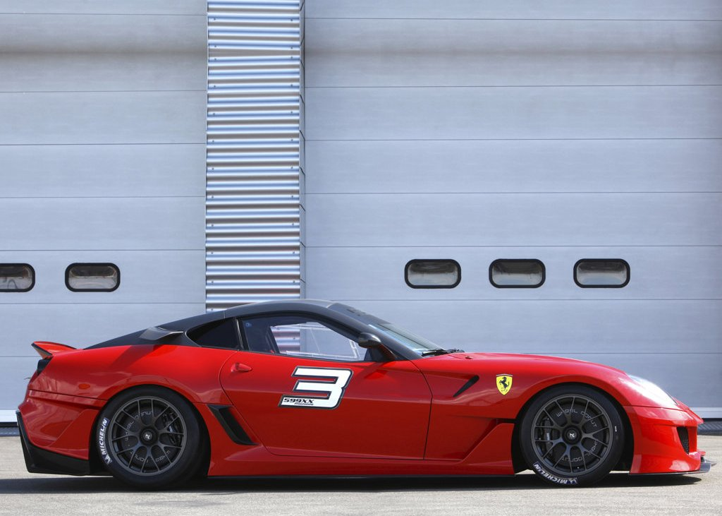 2010 Ferrari 599XX Side (Photo 9 of 10)