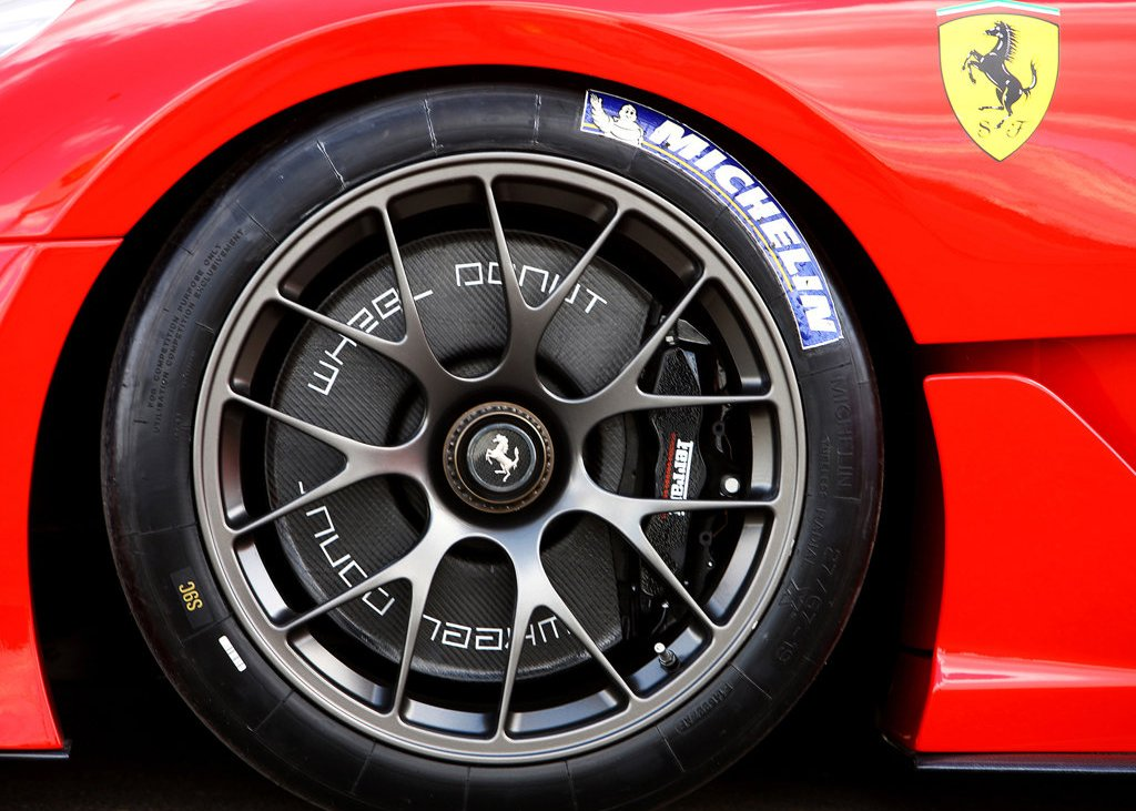 2010 Ferrari 599XX Wheel (Photo 10 of 10)