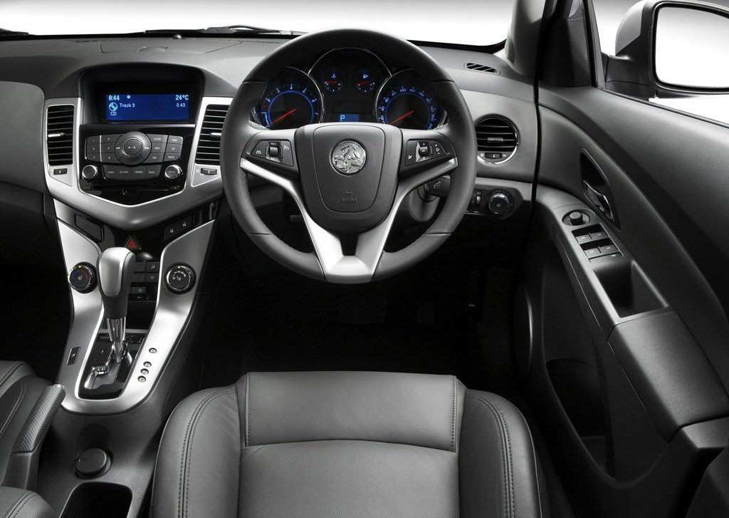 2010 Holden Cruze Interior (View 3 of 8)