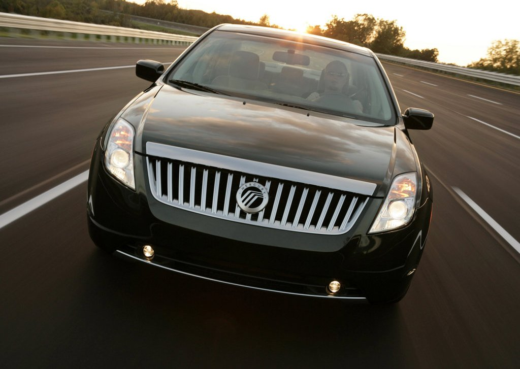 2010 Mercury Milan Hybrid Front (Photo 4 of 9)