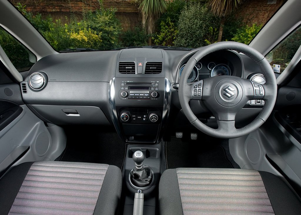 2010 Suzuki SX4 Interior (View 6 of 10)