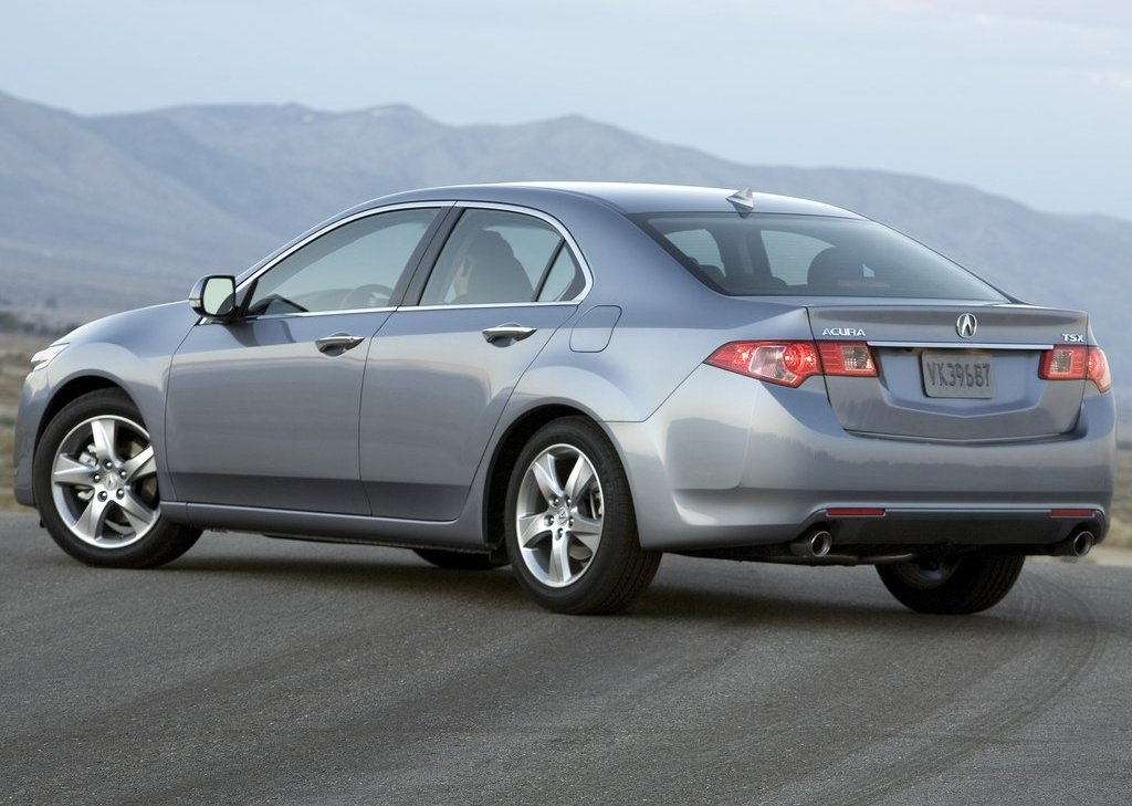 2011 Acura TSX Sedan Rear (Photo 7 of 10)