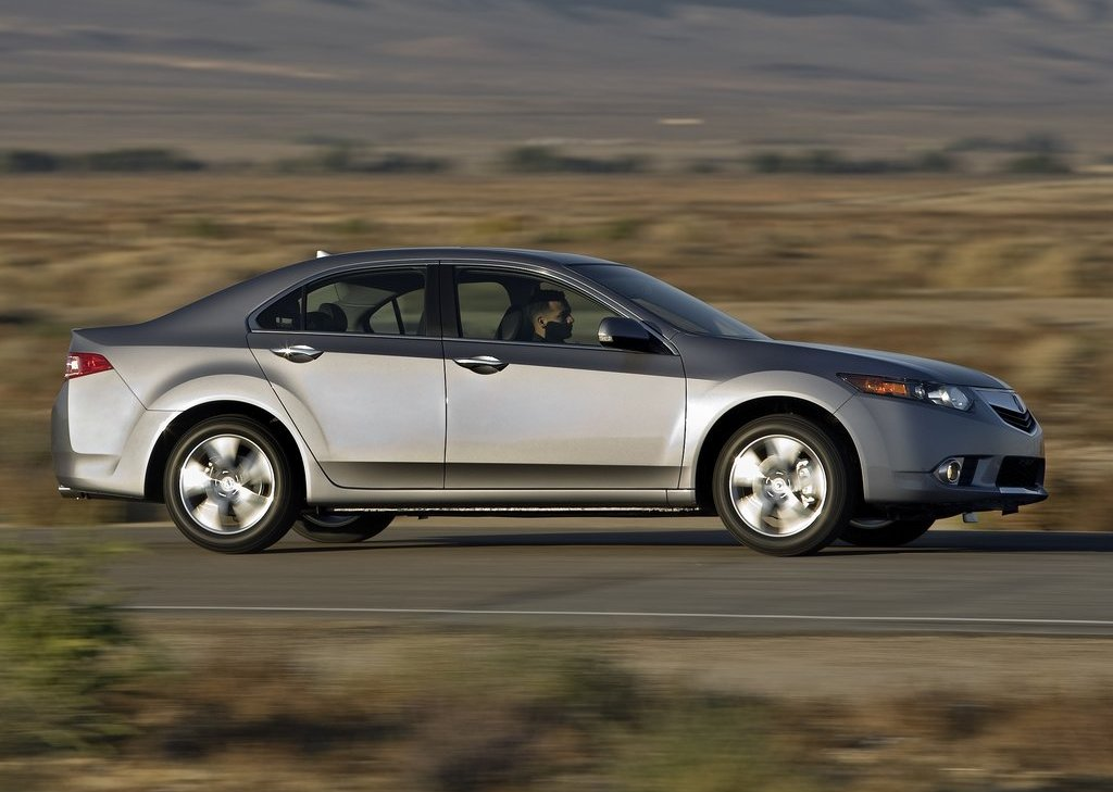 2011 Acura TSX Sedan Side (Photo 9 of 10)
