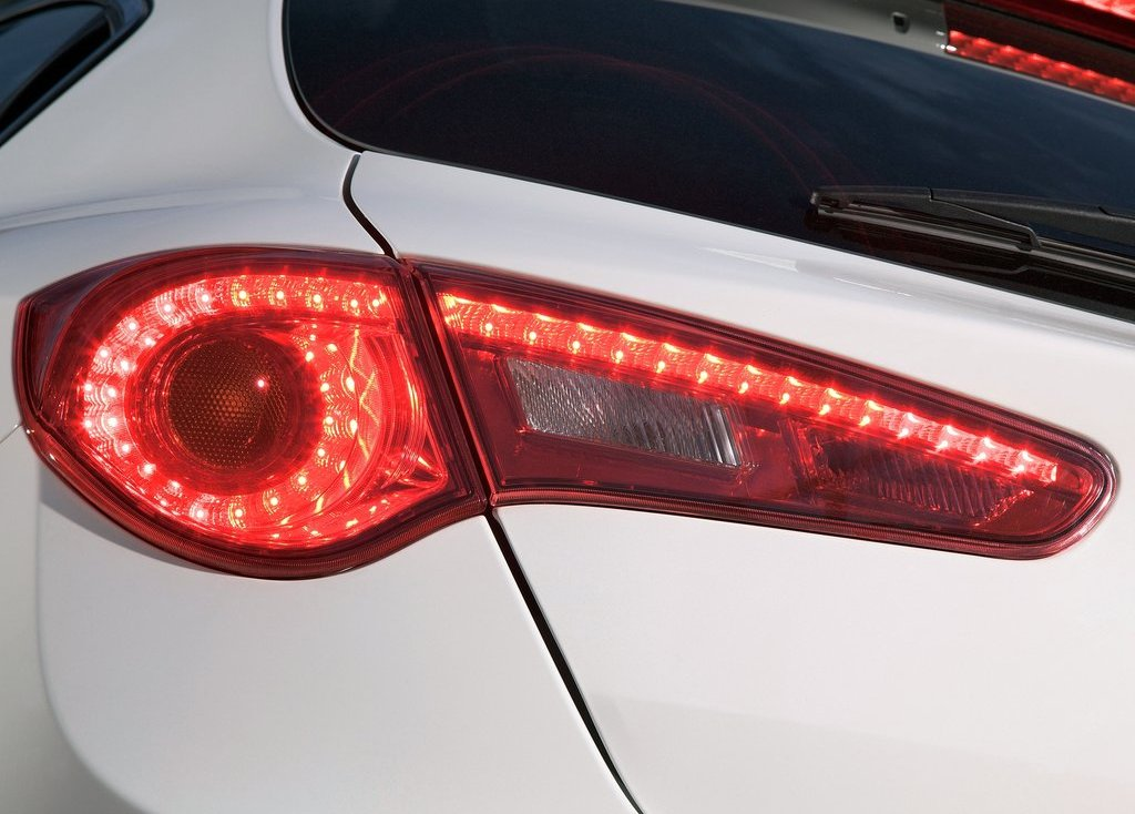 2011 Alfa Romeo Giulietta Tail Lamp (View 24 of 26)