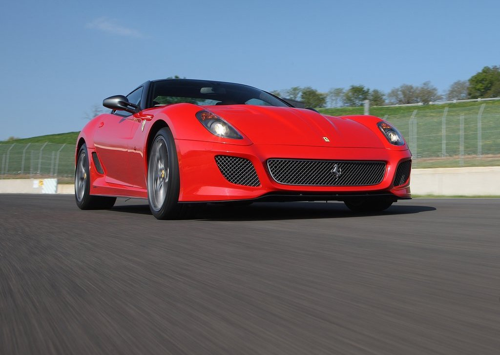 2011 Ferrari 599 GTO Front Angle (Photo 5 of 11)