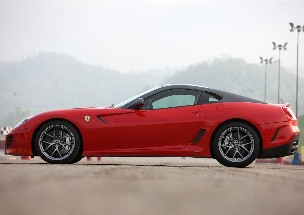 2011 Ferrari 599 GTO Side (Photo 9 of 11)