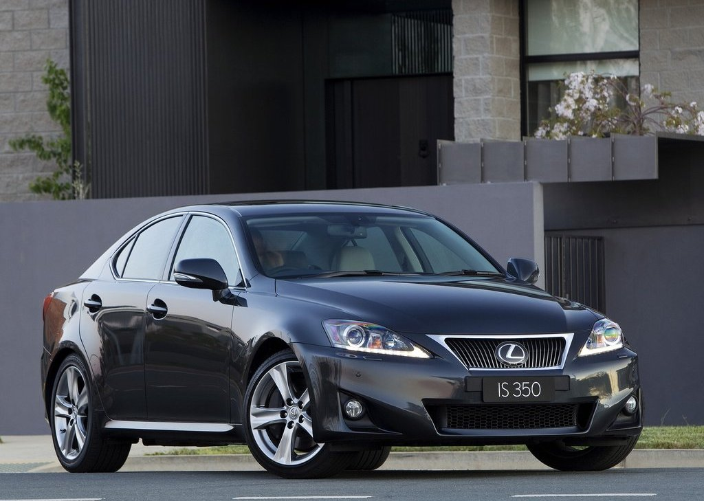 Featured Image of 2011 Lexus IS 350 Review