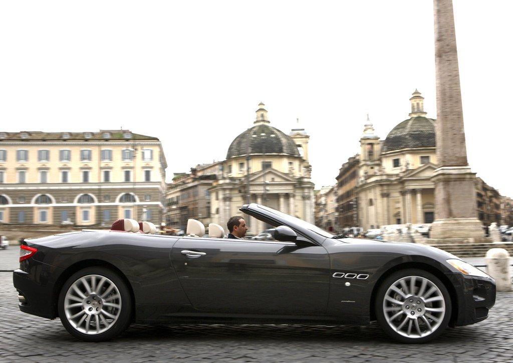2011 Maserati GranCabrio Side (Photo 8 of 9)