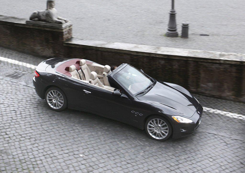 2011 Maserati GranCabrio Top (Photo 9 of 9)
