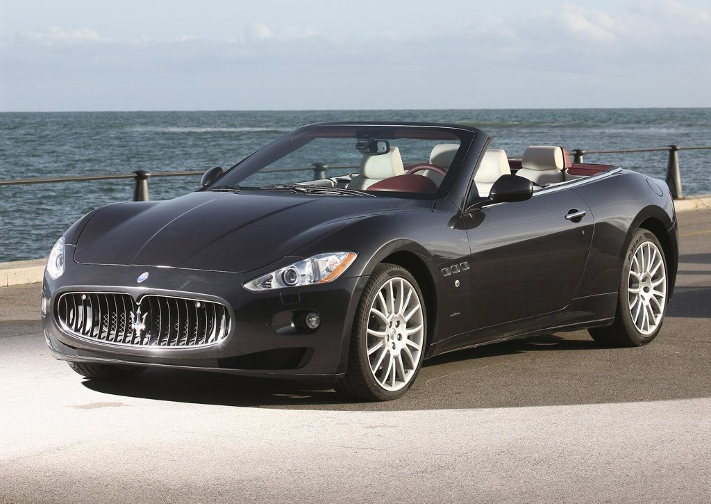 Featured Image of 2011 Maserati GranCabrio Review