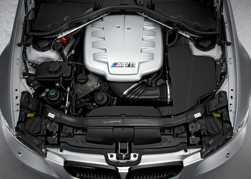 2012 BMW M3 CRT Engine (Photo 4 of 12)