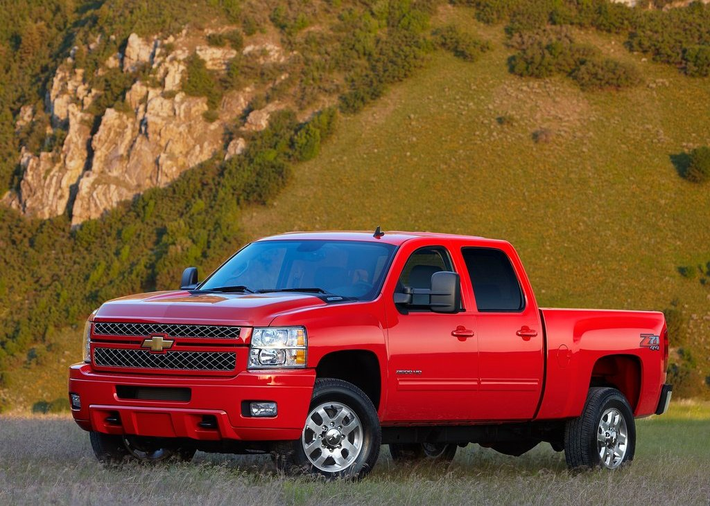 2012 Chevrolet Silverado  (Photo 1 of 8)