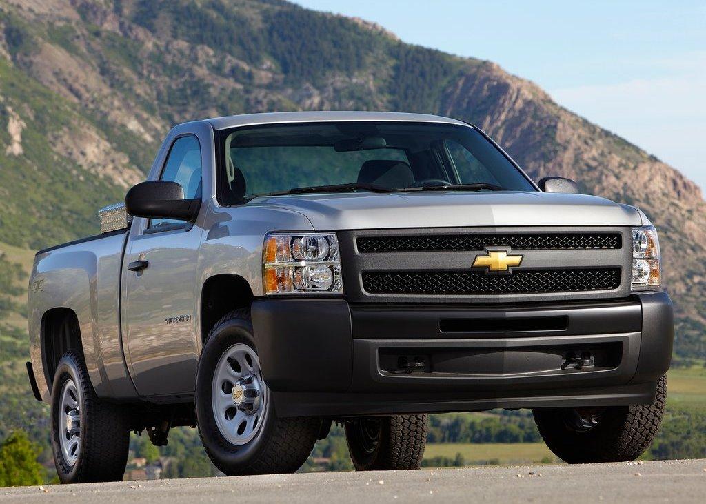 2012 Chevrolet Silverado (View 2 of 8)