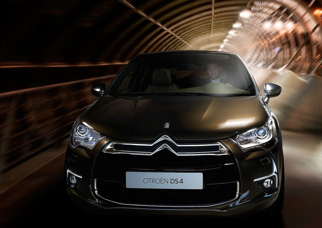 2012 Citroen DS4 Front (Photo 4 of 15)