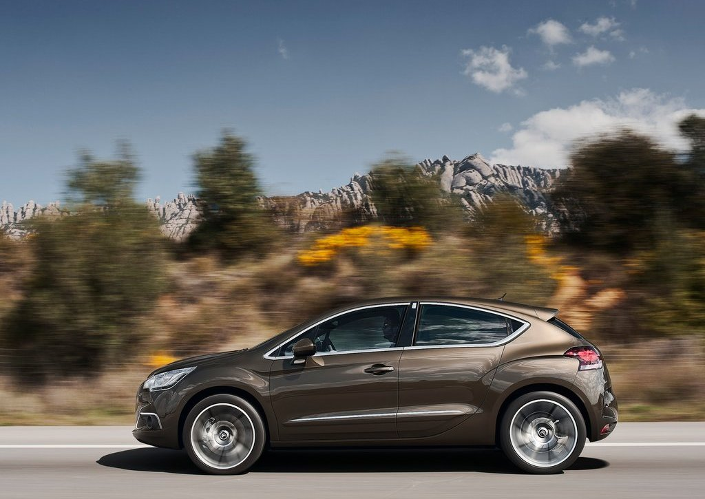 2012 Citroen DS4 Side (Photo 12 of 15)