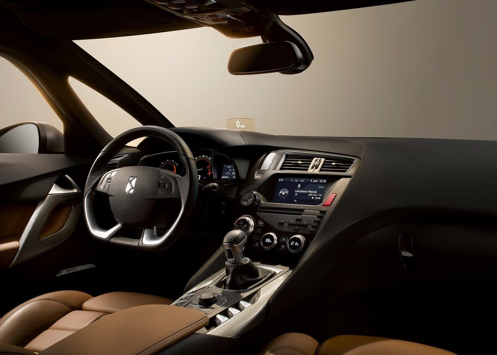 Citroen DS5 Interior 2 (Photo 10 of 30)