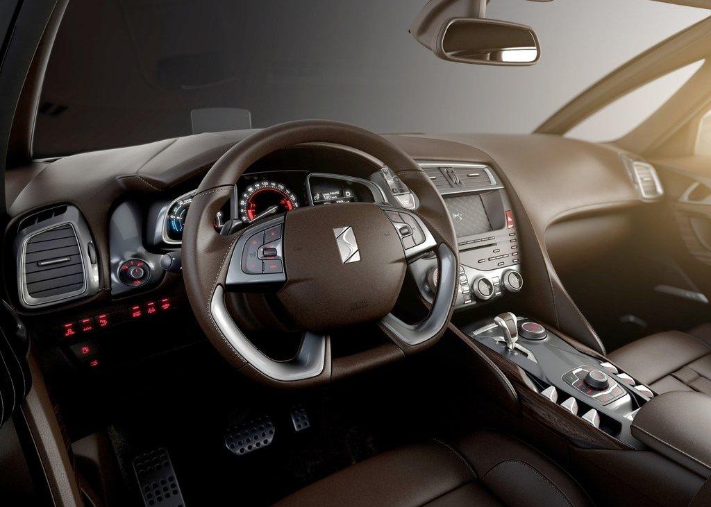 2012 Citroen DS5 Interior (Photo 8 of 30)