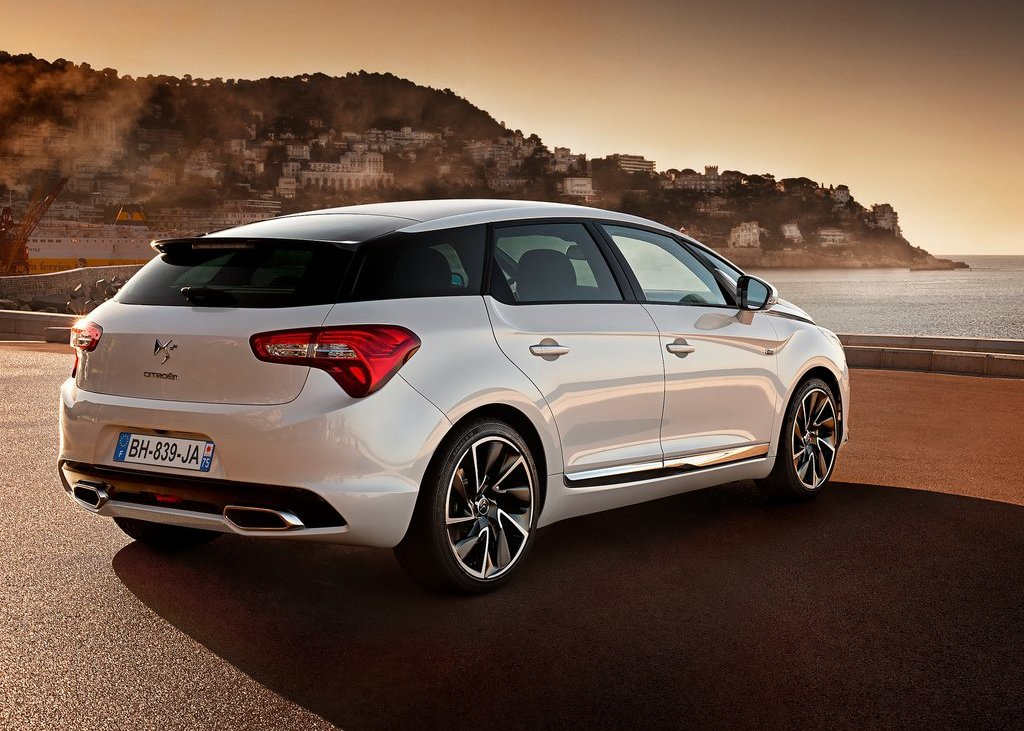 2012 Citroen DS5 Rear (Photo 9 of 30)