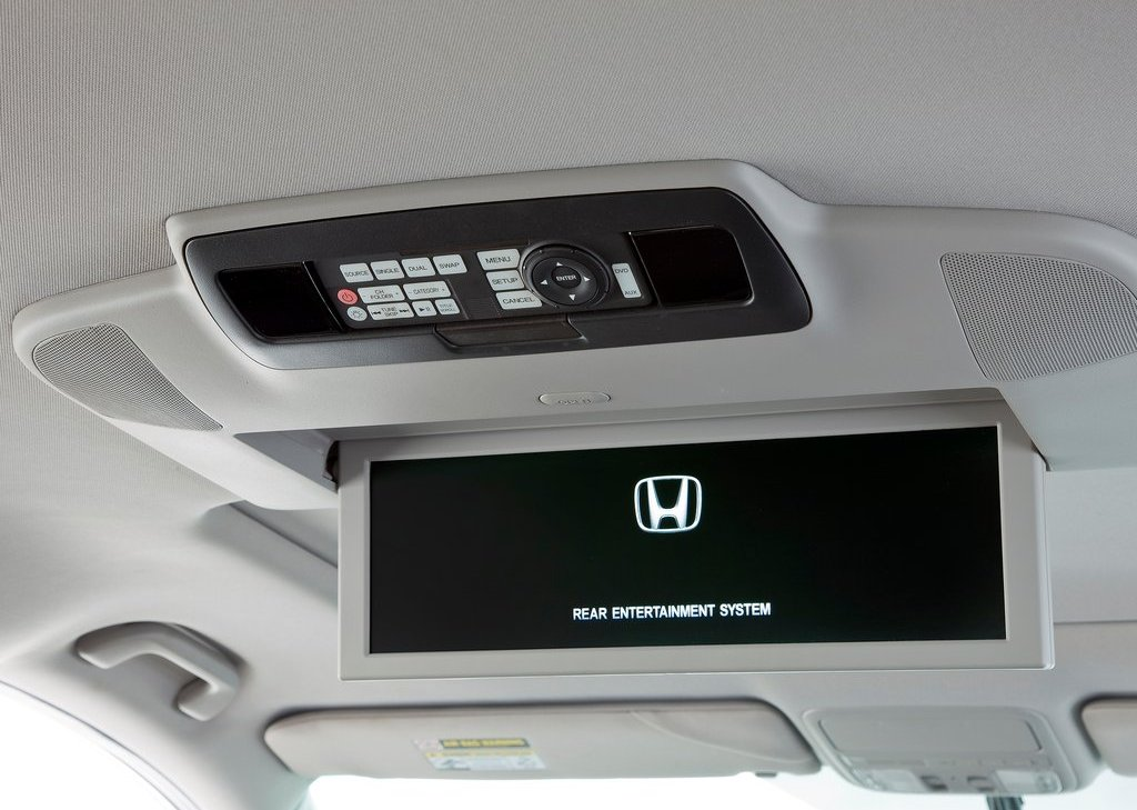 2012 Honda Odyssey Feature (Photo 2 of 10)
