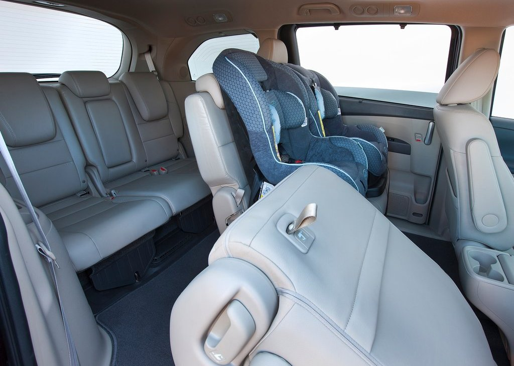 2012 Honda Odyssey Room (Photo 7 of 10)