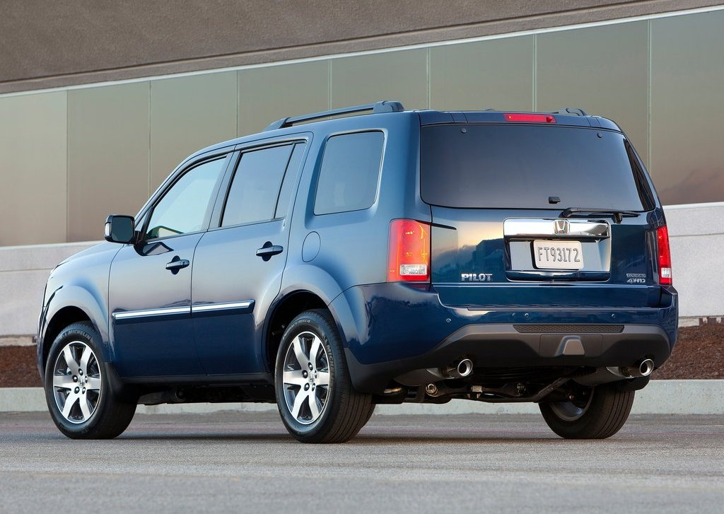 2012 Honda Pilot Rear (Photo 5 of 9)