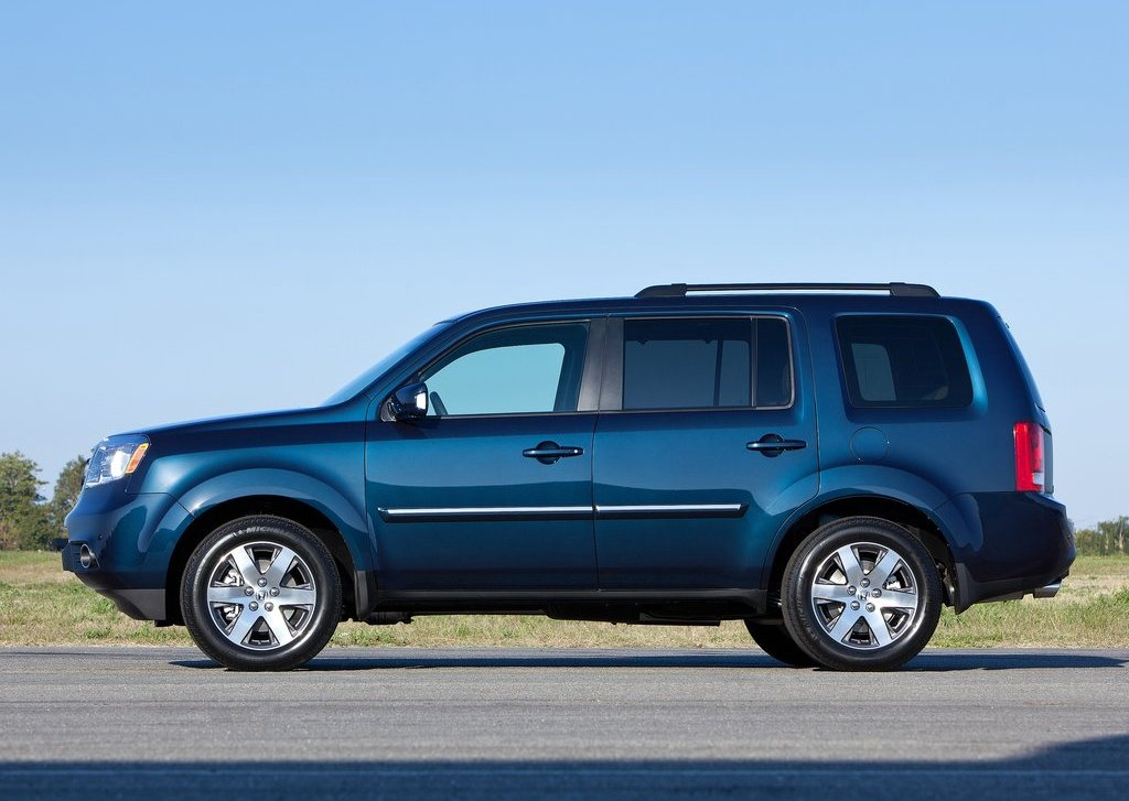 2012 Honda Pilot Side (Photo 7 of 9)