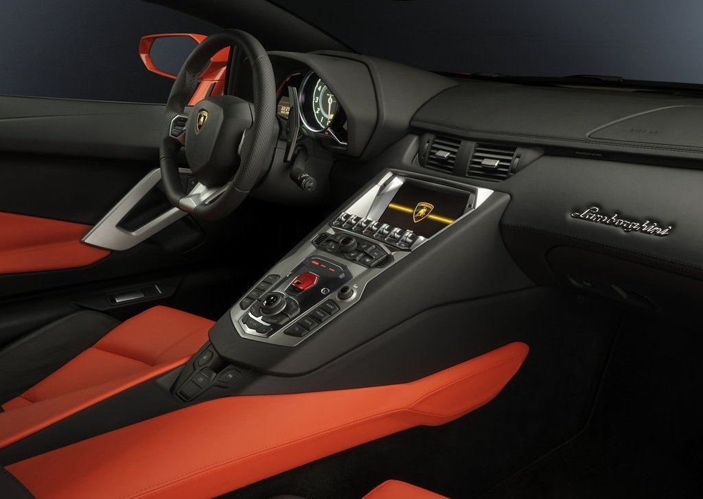 2012 Lamborghini Aventador LP700 4 Interior  (Photo 10 of 13)