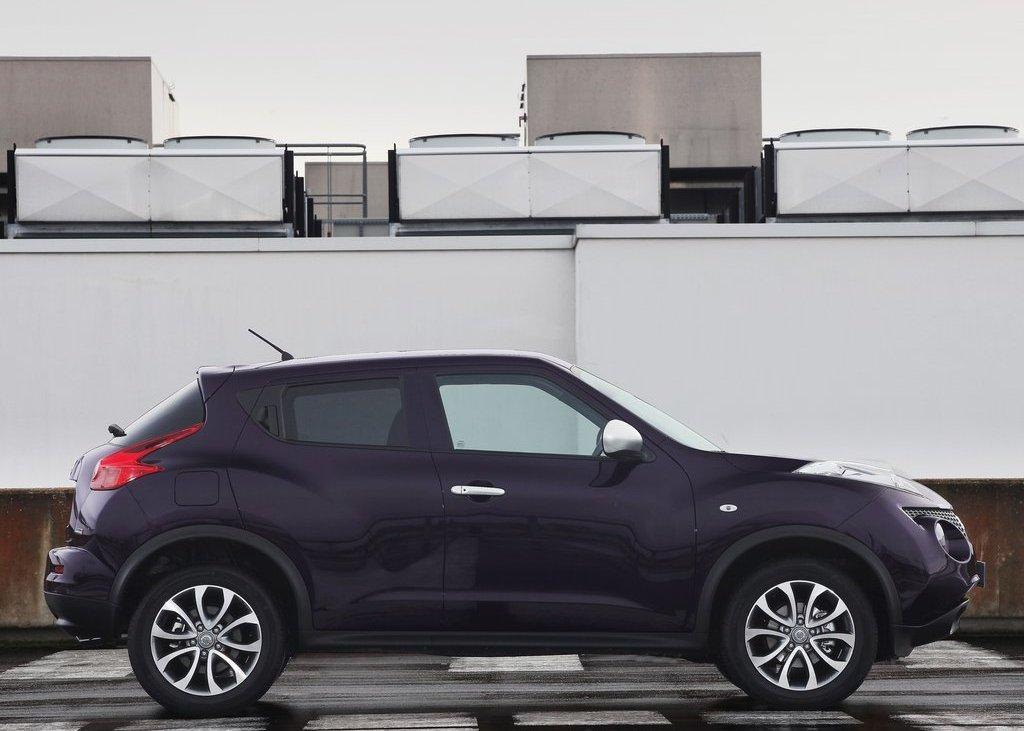 2012 Nissan Juke Shiro Side (Photo 5 of 5)