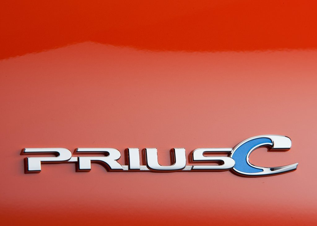 2012 Toyota Prius C Emblem (Photo 2 of 10)