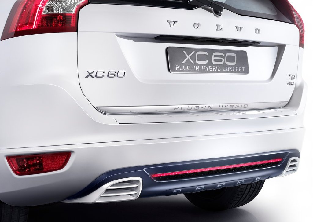 2012 Volvo XC60 Plug In Hybrid Behind (Photo 2 of 10)