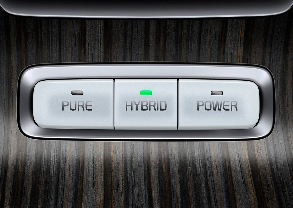 2012 Volvo XC60 Plug In Hybrid Detail (Photo 3 of 10)