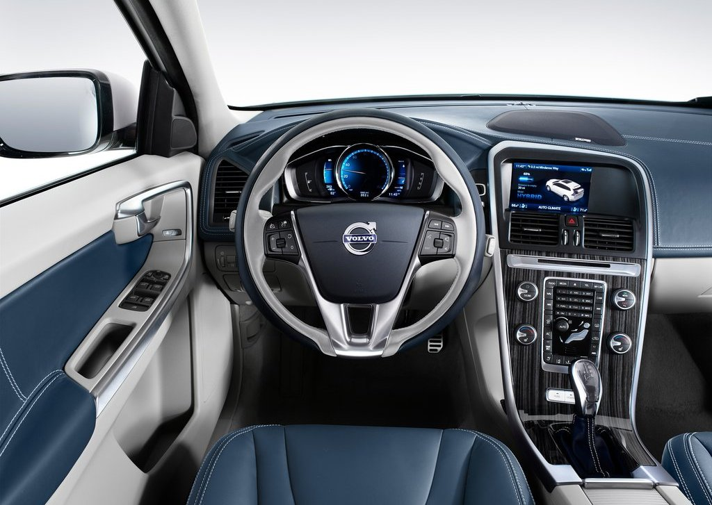 2012 Volvo XC60 Plug In Hybrid Interior (Photo 6 of 10)