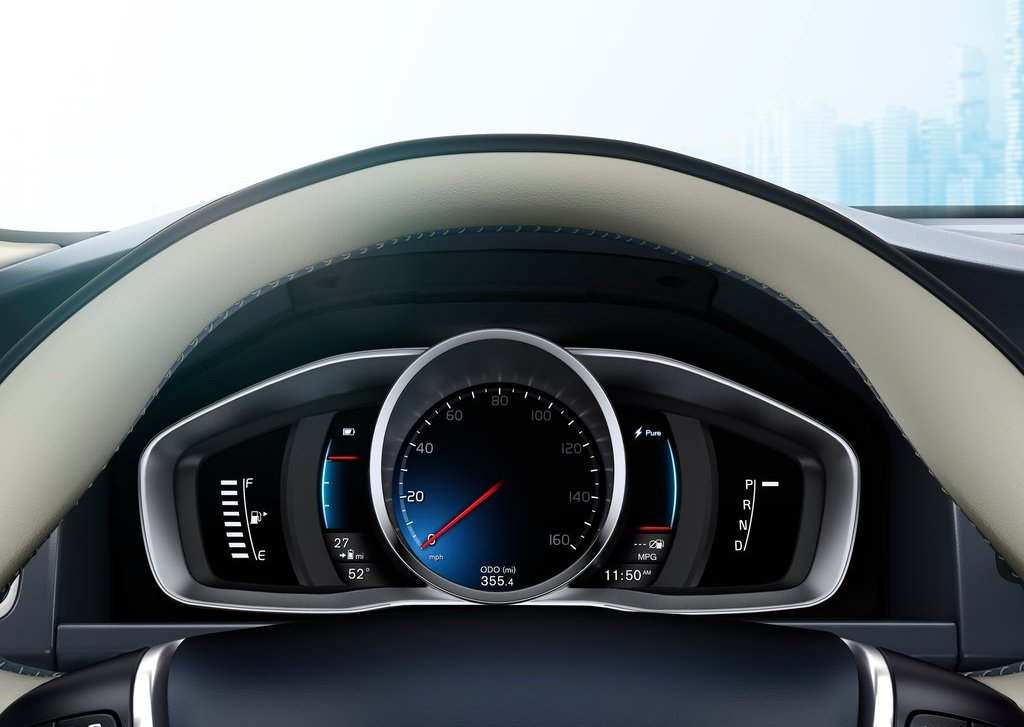 2012 Volvo XC60 Plug In Hybrid Speed (Photo 8 of 10)