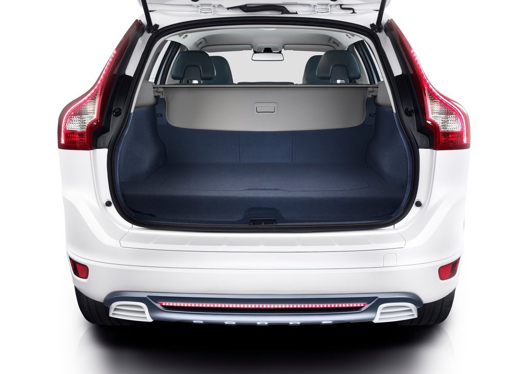 2012 Volvo XC60 Plug In Hybrid Trunk (Photo 10 of 10)
