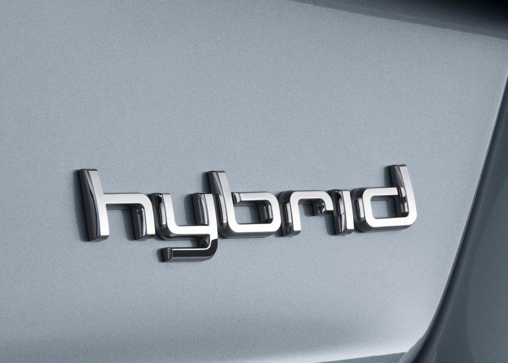 2013 Audi A8 Hybrid Emblem (Photo 3 of 19)