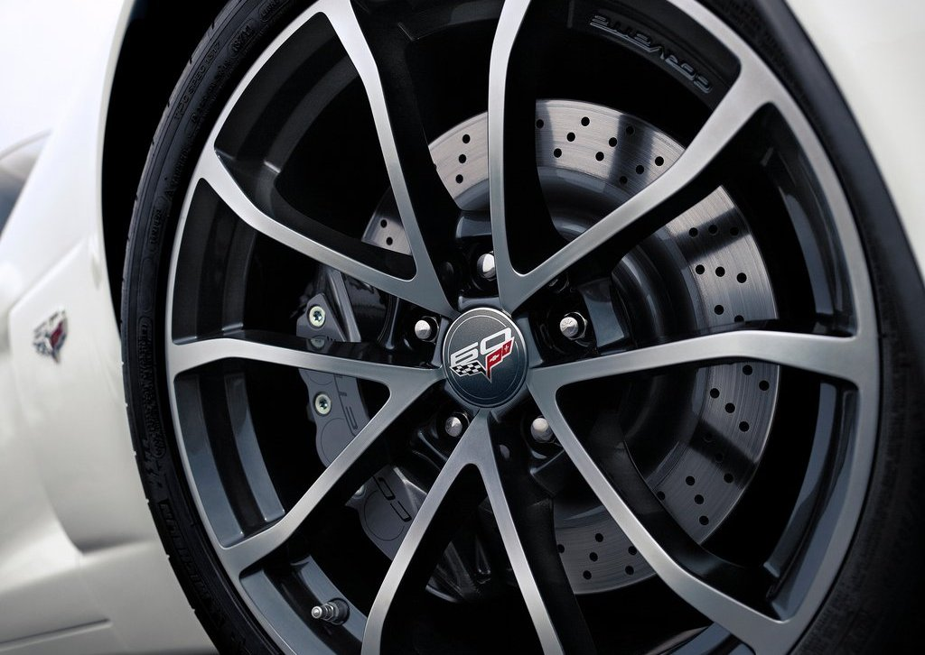 2013 Chevrolet Corvette 427 Convertible Wheel (Photo 6 of 6)
