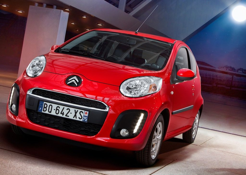 2013 Citroen C1 Front Angle (Photo 3 of 6)