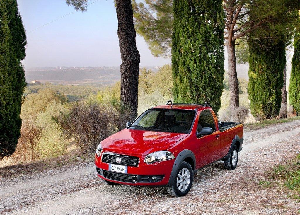 2013 Fiat Strada (View 2 of 8)