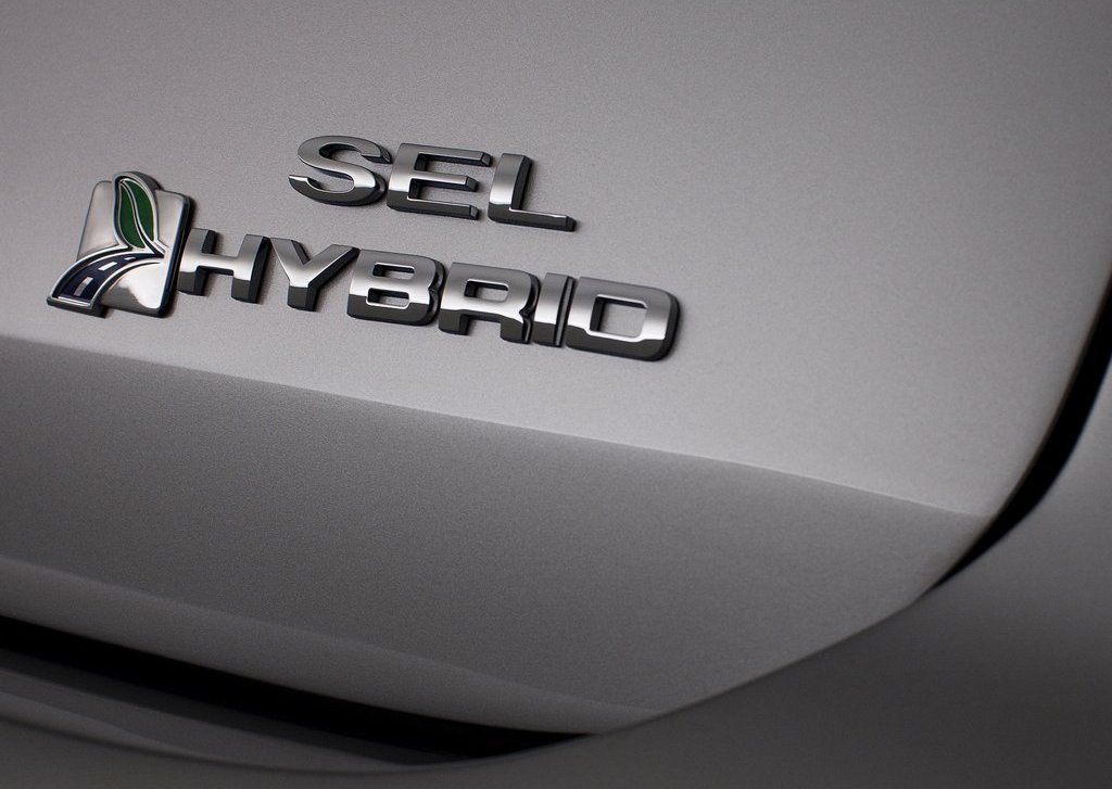 2013 Ford C MAX Hybrid Emblem (View 1 of 6)