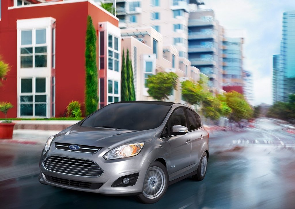 2013 Ford C MAX Hybrid Front Angle (View 2 of 6)