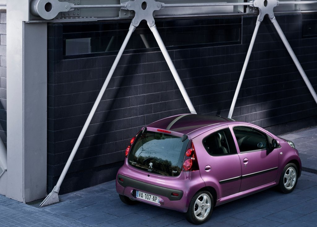 2013 Peugeot 107 Rear (Photo 5 of 7)
