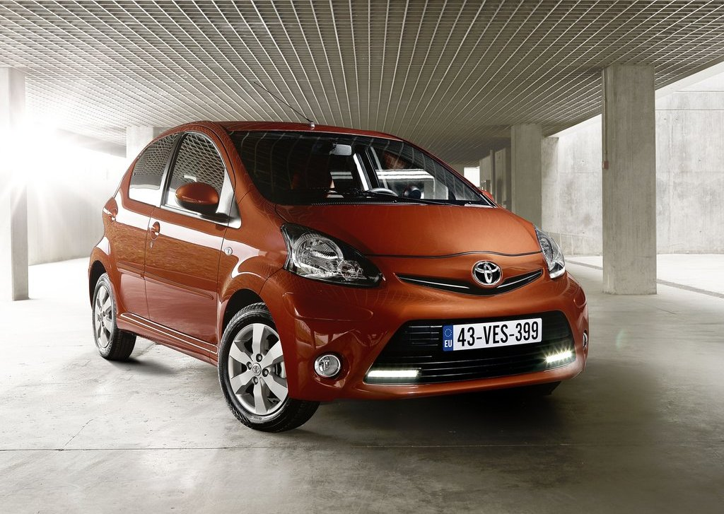 2013 Toyota Aygo (Photo 1 of 6)