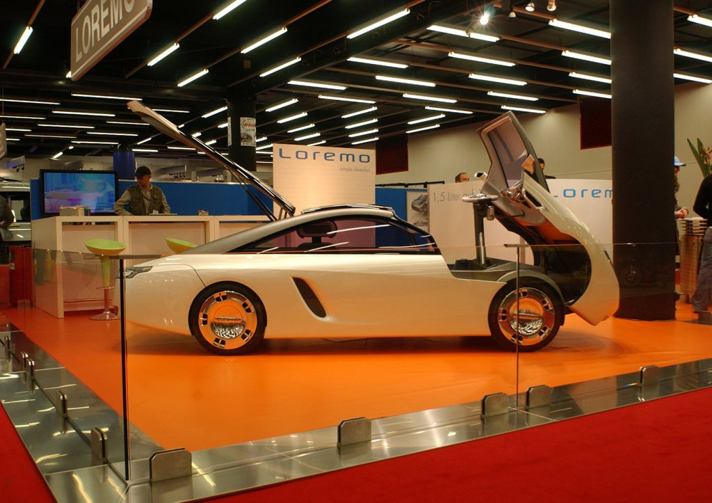 2006 Loremo LS Concept Right Side (Photo 10 of 12)