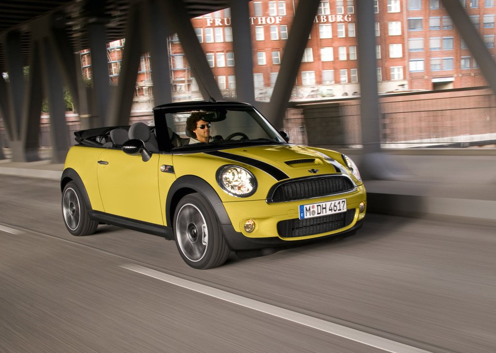Featured Image of 2009 Mini Cooper S Cabrio Review