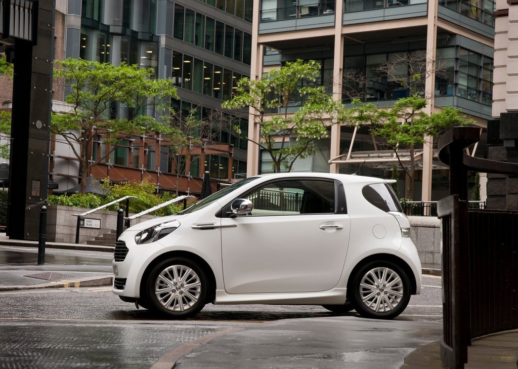 Featured Image of 2012 Aston Martin Cygnet Review