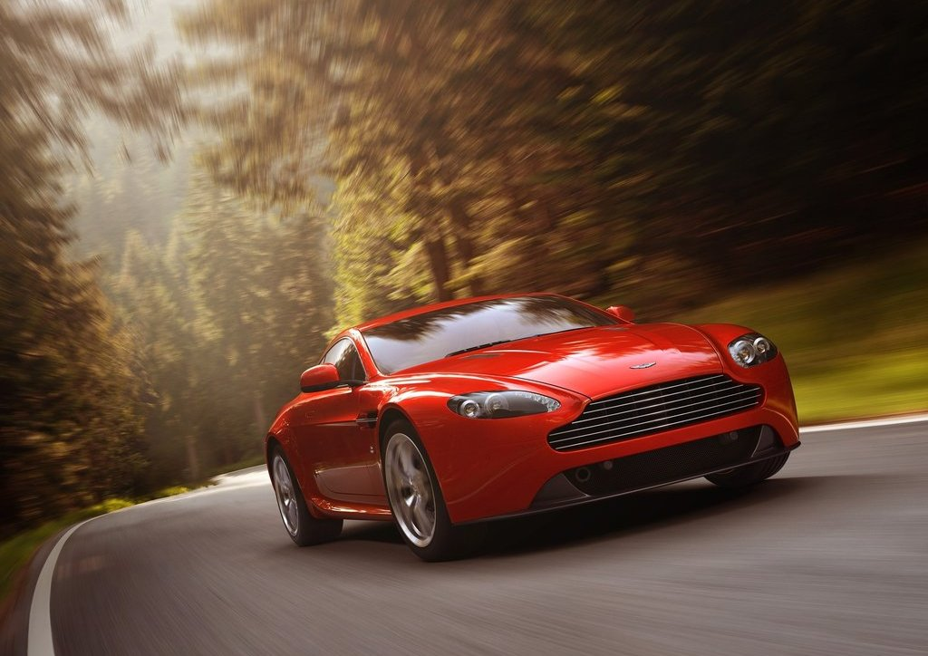 2012 Aston Martin V8 Vantage (Photo 5 of 6)