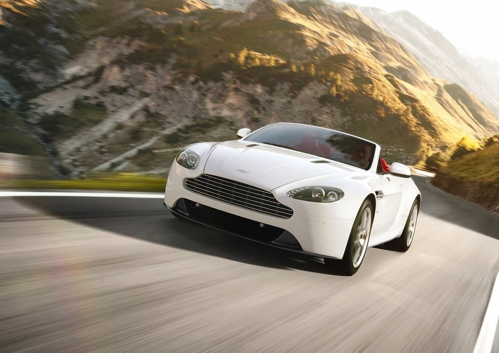 2012 Aston Martin V8 Vantage (Photo 2 of 6)