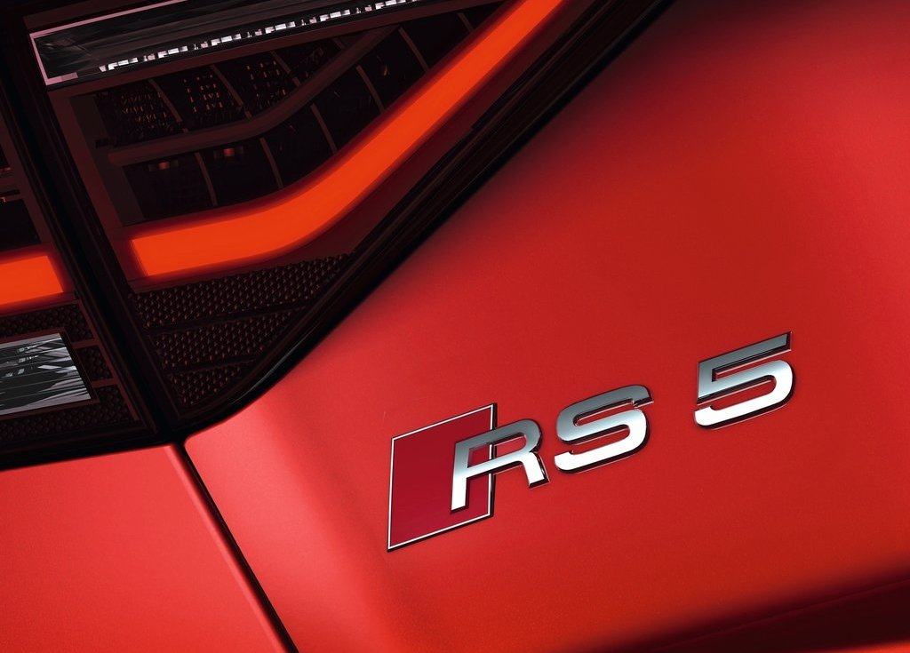 2012 Audi RS5 Emblem (Photo 5 of 21)